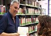 Maurizio De Giovanni alla biblioteca Villa Mercede