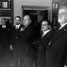 Mussolini visita la sede dell'Istituto Treccani dove si compila l'Enciclopedia Italiana