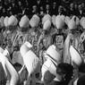 """Cerimonia di """"incoronazione"""" di Papa Giovanni XXIII. Presenti Tisserant e Ottaviani"""