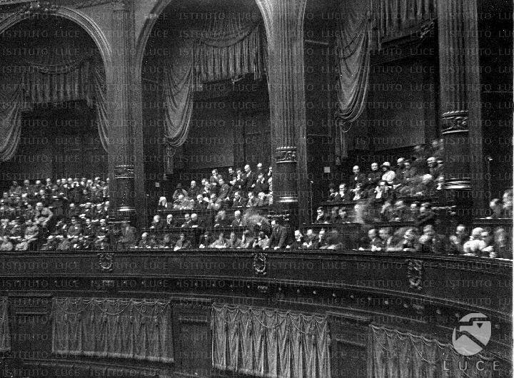 Veduta dei loggioni della camera dei deputati dove il for Lavori camera dei deputati