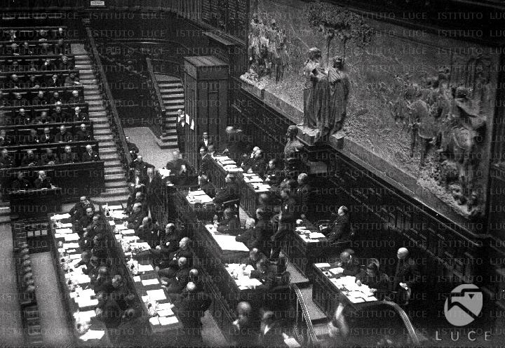 Discorso Camera Mussolini : Mussolini e il giugno del il discorso che cambiò la