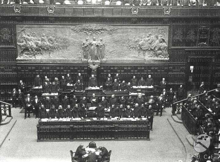 Discorso Camera Mussolini : Storia anni fa l italia entrava in guerra il celebre discorso