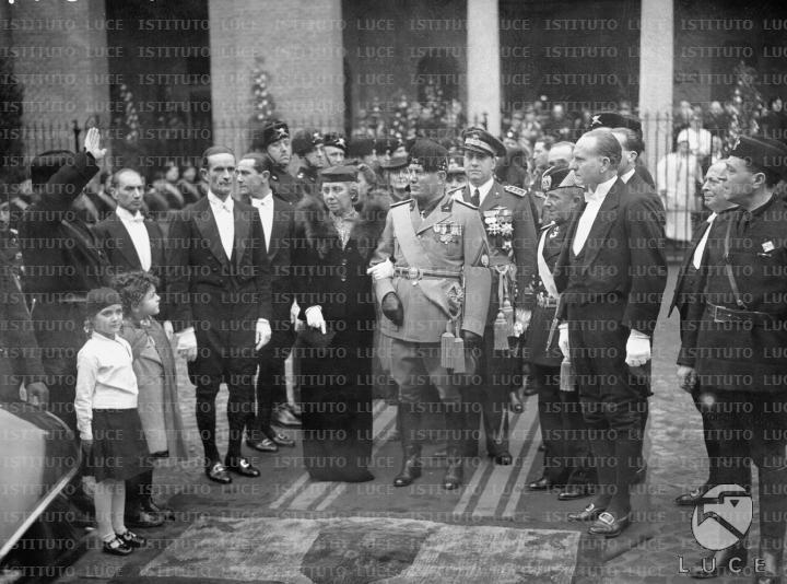 Matrimonio Di Romano Mussolini : In occasione del matrimonio di vittorio e orsola benito