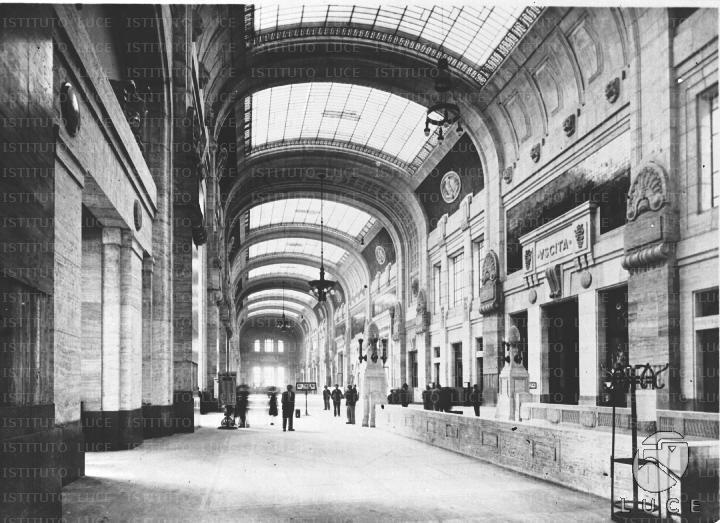 Inaugurazione della stazione di milano reparto foto for Grande planimetria della camera singola storia