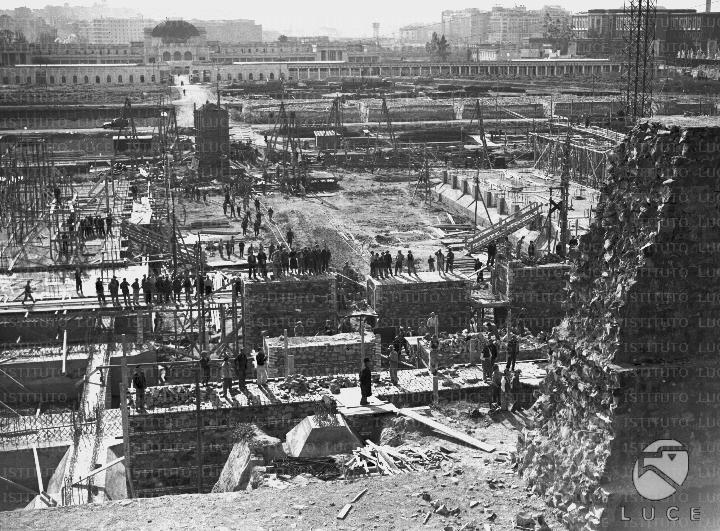 Panoramica sul cantiere di costruzione della casa littoria for Cantiere di costruzione