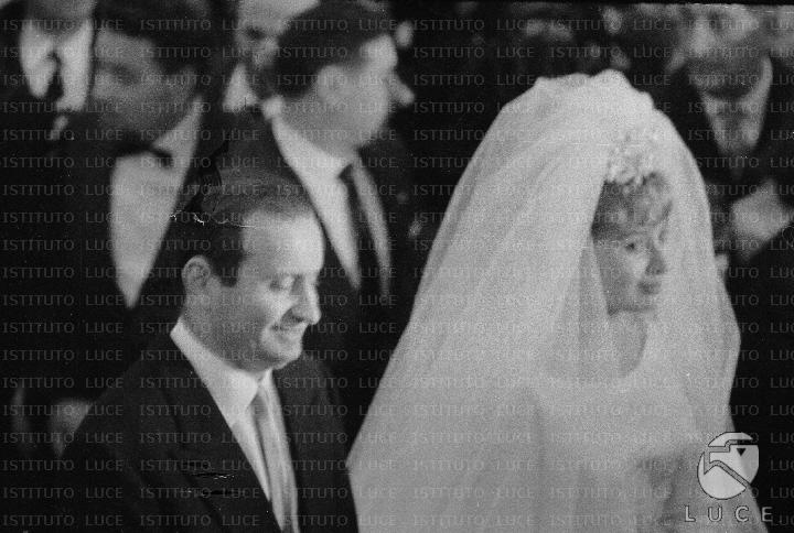 Matrimonio Romano Mussolini : Romano mussolini e maria scicolone durante la celebrazione
