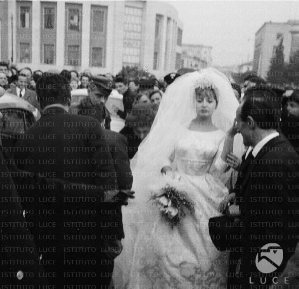 Matrimonio Romano Mussolini E Maria Scicolone : Maria scicolone nel giorno del suo matrimonio con romano