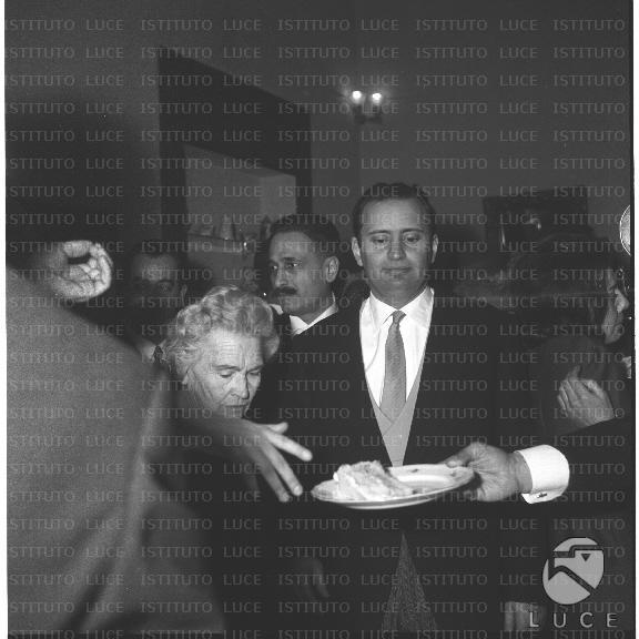 Matrimonio Romano Mussolini E Maria Scicolone : Nozze di maria scicolone con romano mussolini mediateca roma