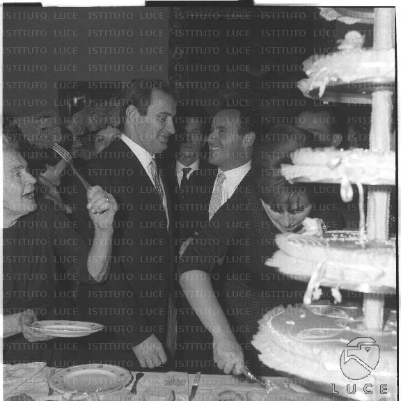 Matrimonio Romano Mussolini E Maria Scicolone : Romano mussolini e maria scicolone al loro matrimonio