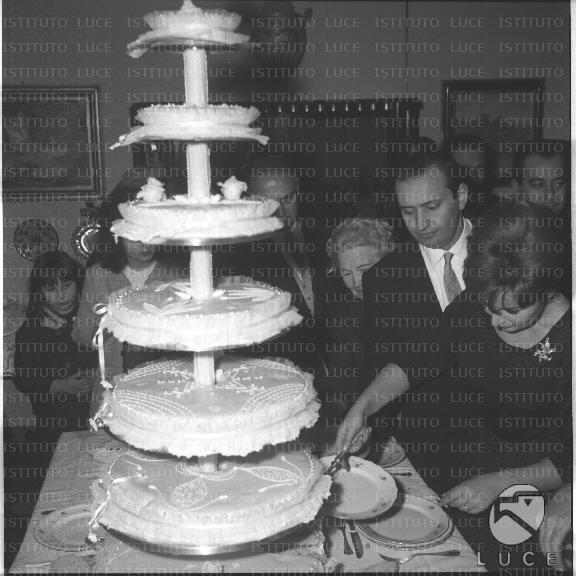 Matrimonio Romano Mussolini E Maria Scicolone : Maria scicolone e romano mussolini seguito dalla madre