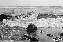 Mare in burrasca sugli scogli ai piedi del Circeo