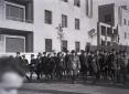 Mussolini, Starace e autorità del PNF camminano a  ...