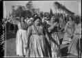 Donne in costumi popolari a Littoria