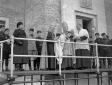 Il cardinale Gasparri benedice il gonfalone della  ...