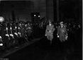 Il Fuhrer ed il Re Vittorio Emanuele III passano in rivista il picchetto d'onore schierato lungo il colonnato della Stazione Ostiense