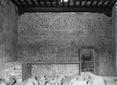 [Interno con deposito di frammenti arche ...
