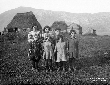 Bimbi figli dei pastori alle capanne di Doganella