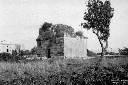 Tomba Romana lungo la Via Appia, presso il lago di ...